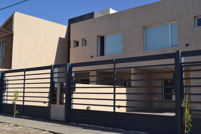 Foto Casa en Venta en  Canal V,  Capital  Ortega y Gasset 3700