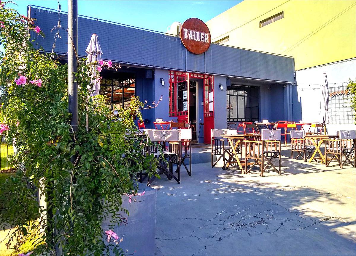 Foto Local en Venta en  San Isidro ,  G.B.A. Zona Norte  Av Tiscornia al 1000