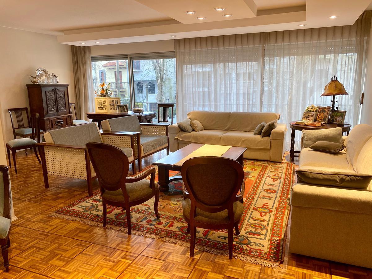 Foto Apartamento en Venta en  Pocitos ,  Montevideo  Jaime Zudañez