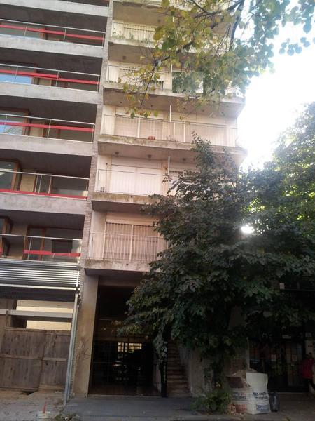 Foto Departamento en Venta en  La Plata,  La Plata  9 e/51y53 (6ºB)