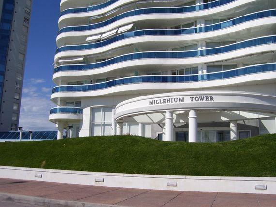 Foto Apartamento en Venta en  Playa Mansa,  Punta del Este  Millenium Tower Punta del Este Piso 15