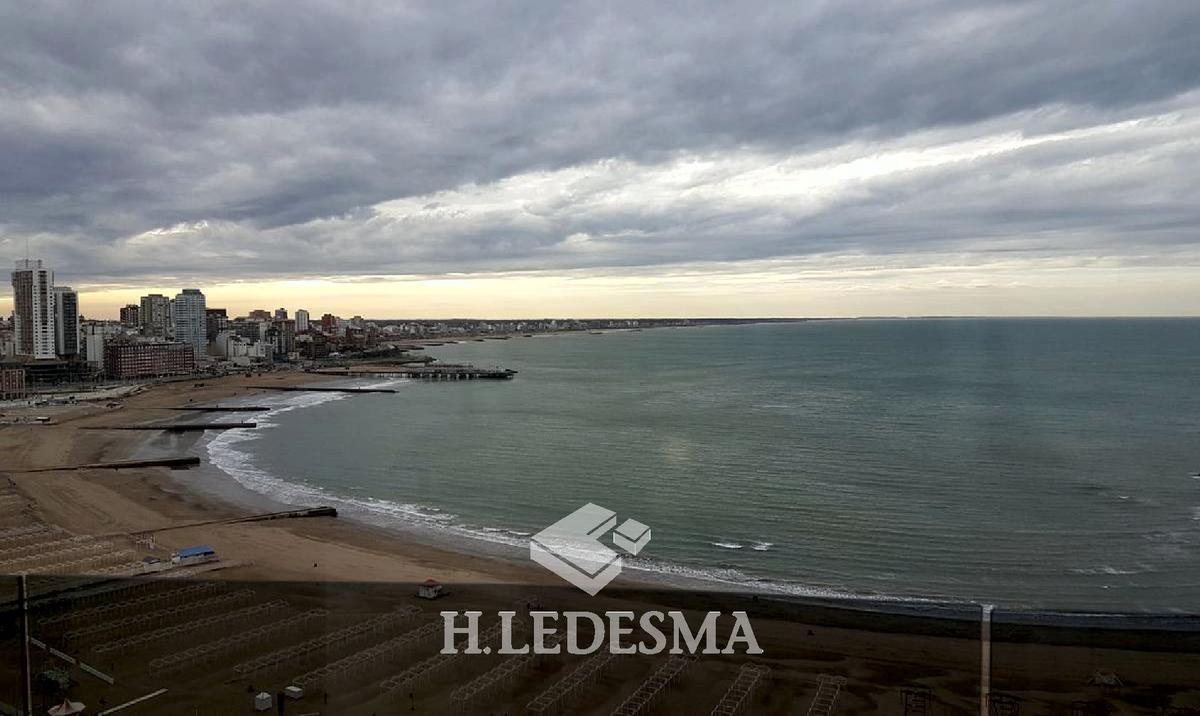 Foto Departamento en Alquiler en  Torreon,  Mar Del Plata  GÜEMES 2000 • FRENTE AL MAR