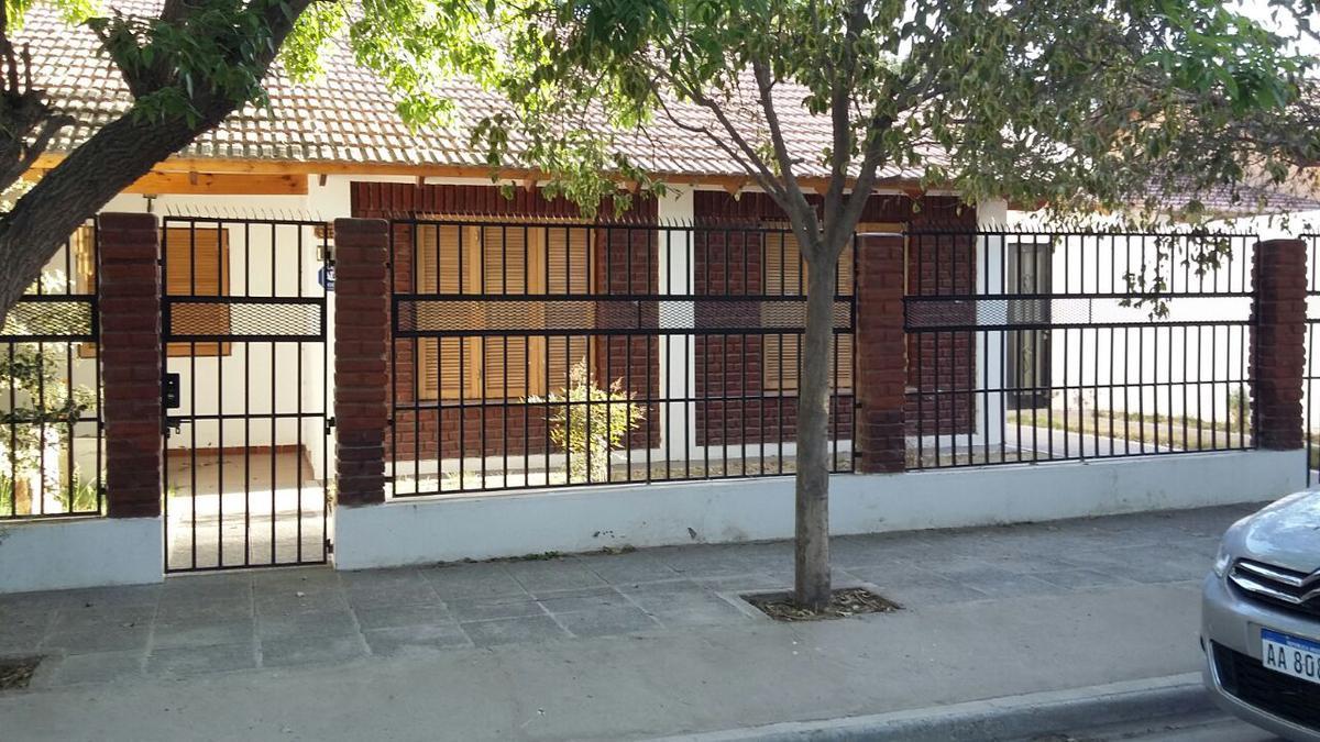 Foto Casa en Venta en  Capital ,  Neuquen  Barrio Belgrano