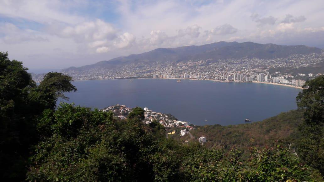 Foto Terreno en Venta en  Fraccionamiento Las Brisas,  Acapulco de Juárez  Terreno vista espectacular  La Cima Brisas