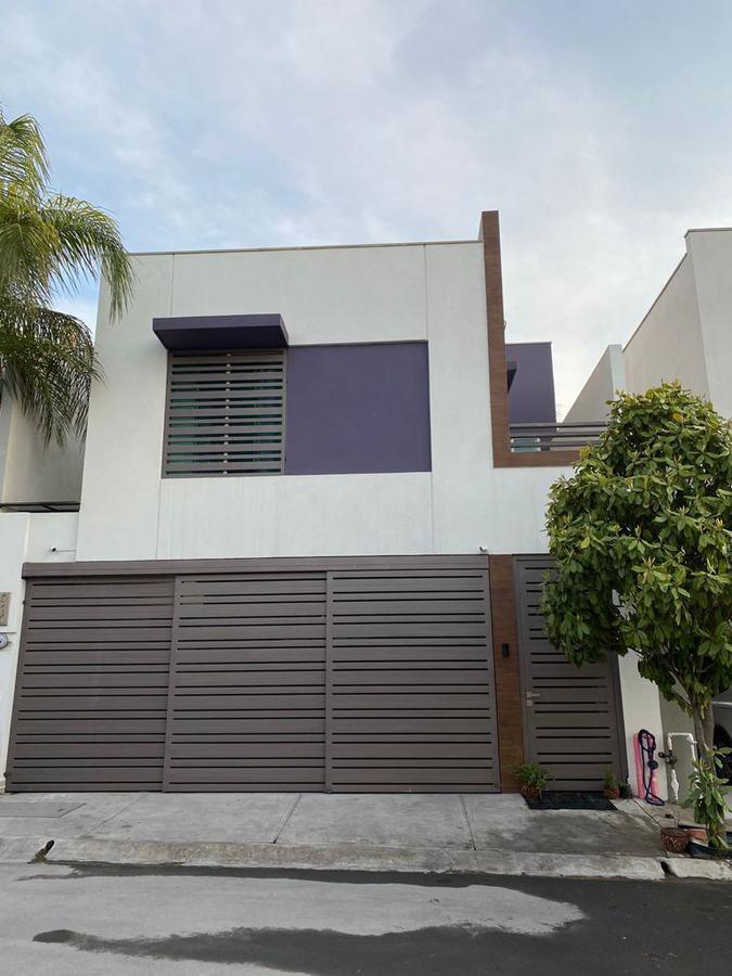 Foto Casa en Venta en  Puerta de Hierro Cumbres,  Monterrey  Puerta de Hierro Castilla Sur