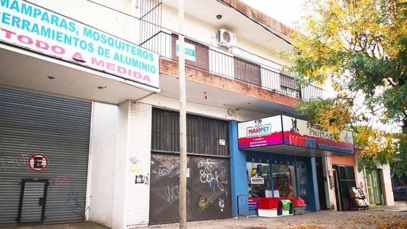 Foto Edificio Comercial en Venta en  Belen De Escobar,  Escobar  AV SAN MARTIN  119
