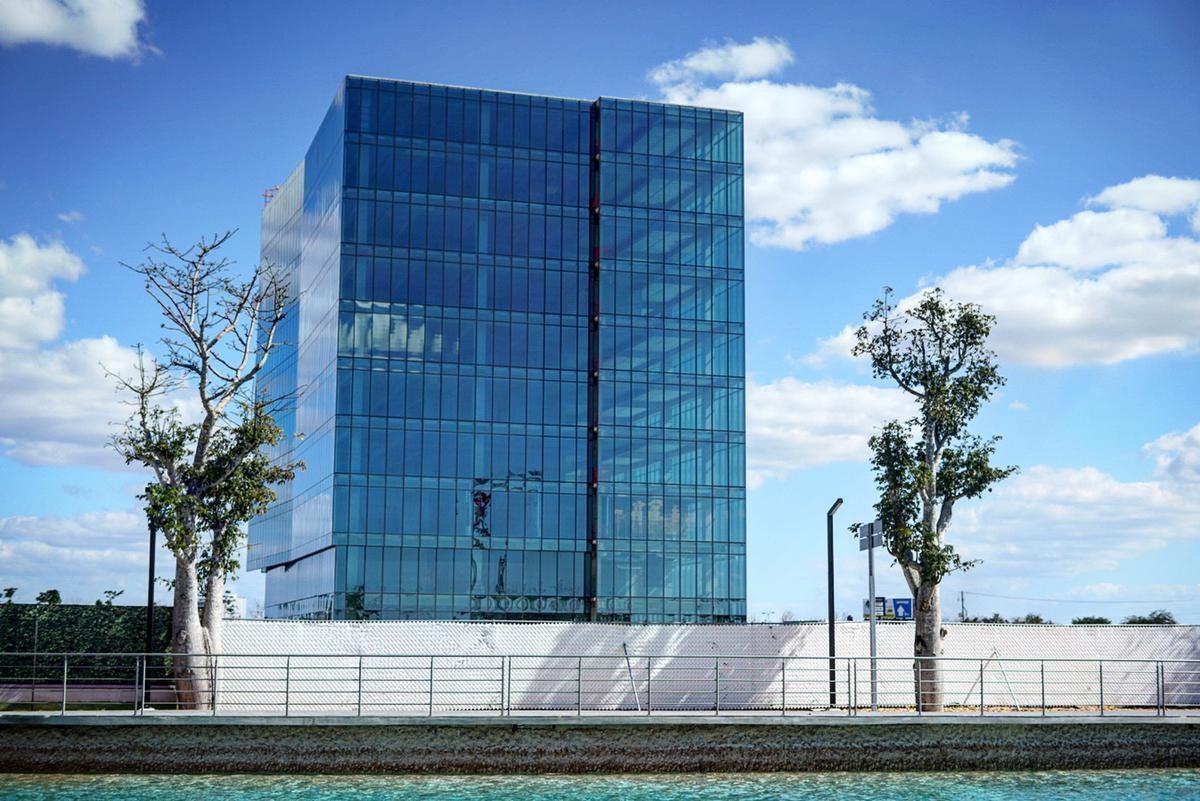 Foto Oficina en Venta en  Prolongación Montejo,  Mérida  Oficinas de lujo en venta, Ubicación Privilegiada junto a Plaza Harbor.