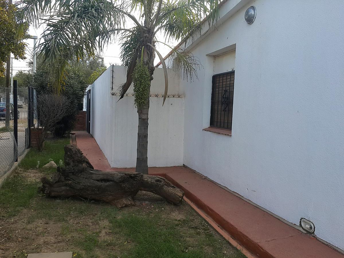 Foto Casa en Venta en  Pque.Republica,  Cordoba  Linconao 1096