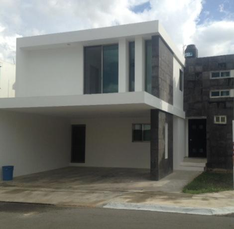 Foto Casa en Renta en  Mérida ,  Yucatán  Rento casa en privada Frac.Altabrisa