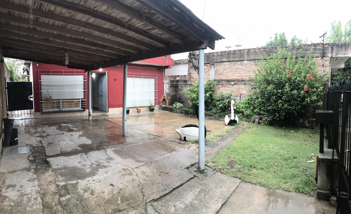 Foto Casa en Venta en  Bernal Oeste,  Quilmes  163 bis n° 141 entre Rodriguez Peña y Boedo