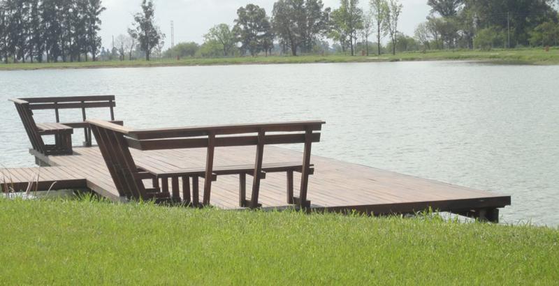 Foto Terreno en Venta en  Santo Domingo,  Canning (E. Echeverria)  Venta - Lote a la laguna en Santo Domingo
