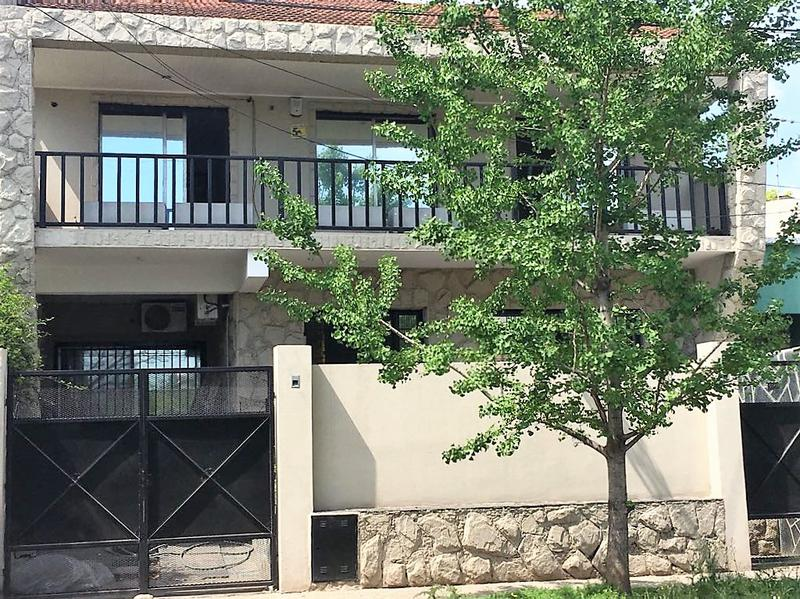 Foto Casa en Venta en  Las Lomas-La Merced,  Las Lomas de San Isidro  Jose Ingenieros al 3300