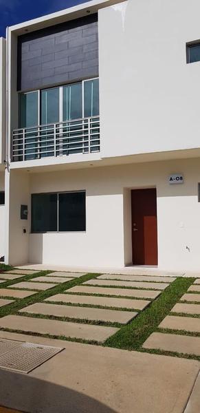 Foto Casa en condominio en Renta en  Supermanzana 56,  Cancún  Renta de Casa Long Island Cancún