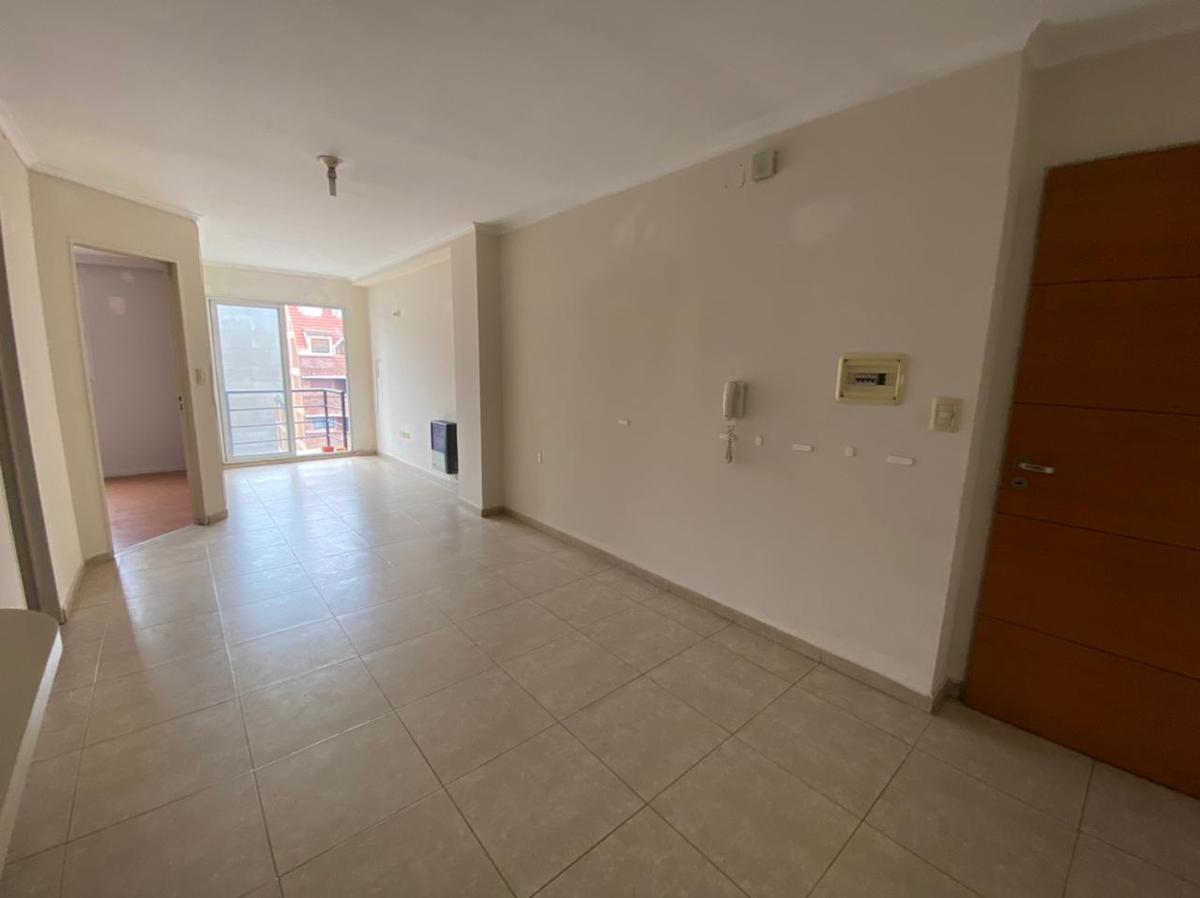 Foto Departamento en Alquiler en  Nueva Cordoba,  Cordoba Capital  Boulevard Illia al 600