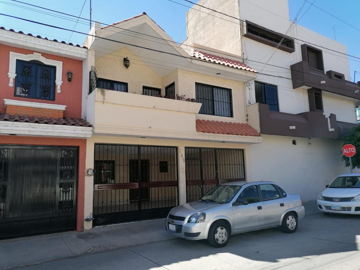 Foto Casa en Venta en  San Jerónimo,  León  Casa en VENTA o RENTA en San Jerónimo, 4 recámaras, excelente inversión para vivir o como renta comercial!!!