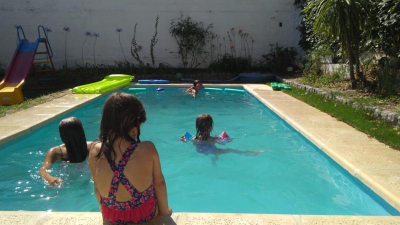 Foto Casa en Venta en  Urca,  Cordoba Capital  Casa en venta en Urca. Zona Norte. 3 Dormitorios y 3 Baños. Con jardín y pileta. Recibe menor.