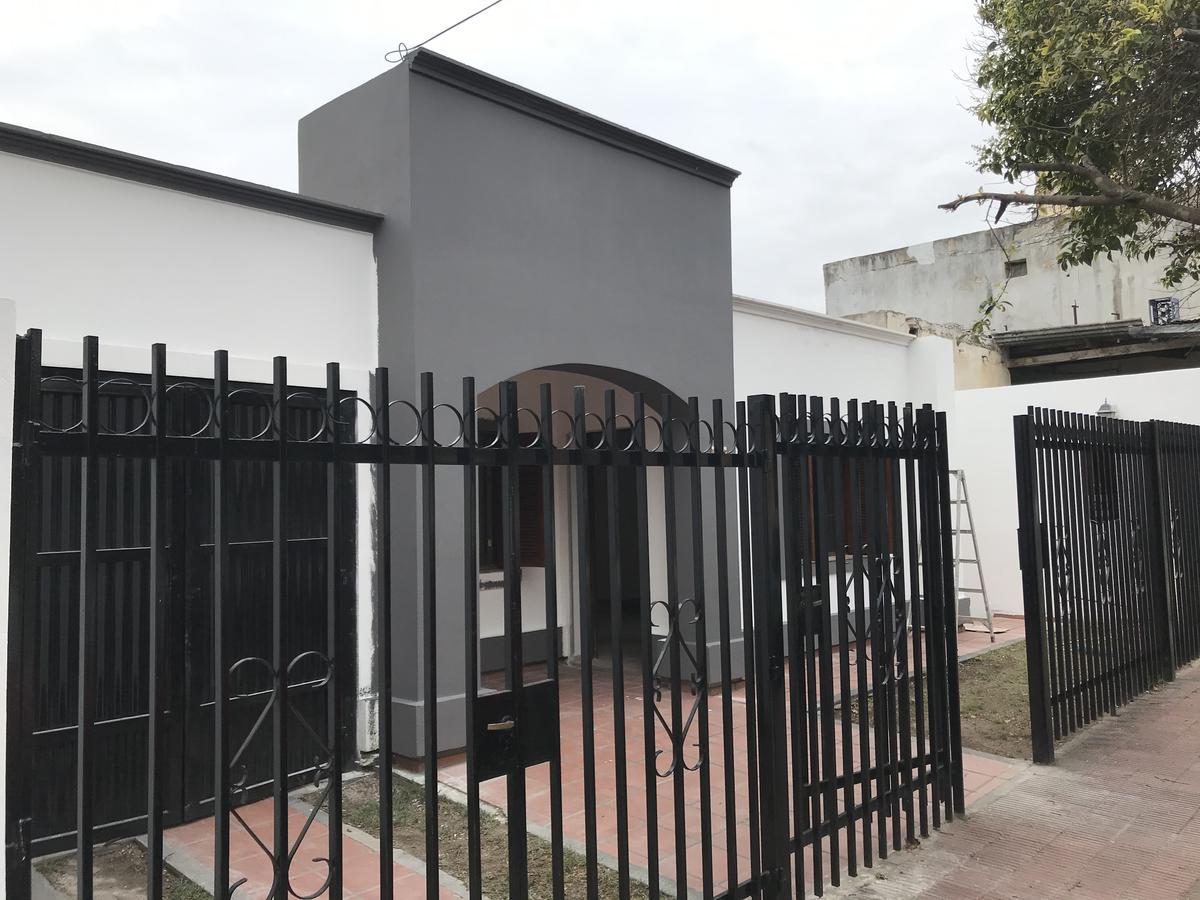 Foto Casa en Alquiler en  Crisol Norte,  Cordoba  Jacinto Benavente al 1800
