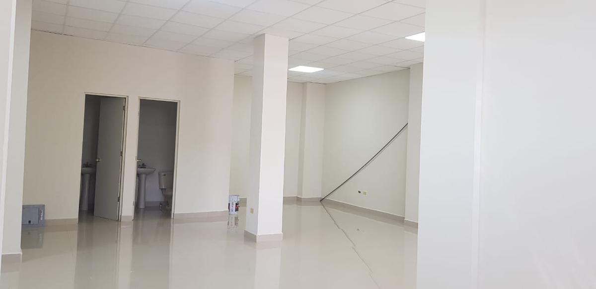 Foto Oficina en Renta en  Centro,  Monterrey          Oficina en Renta Zona Centro de Monterrey. Edificio nuevo de oficinas en excelente ubicación a cuadras del Palacio de Gobierno con estacionamiento exclusivo. (MVO) Oficina en segundo piso.