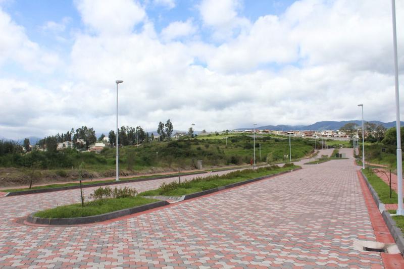 Foto Terreno en Venta en  Los Chillos,  Quito  TERRENOS EN VENTA  566M2 VALLE DE LOS CHILLOS