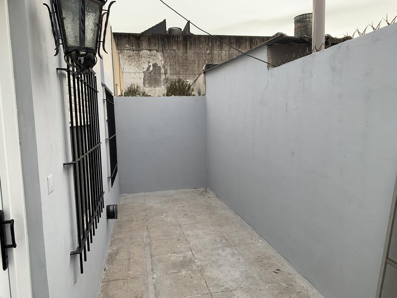 Foto PH en Alquiler en  Lomas de Zamora Oeste,  Lomas De Zamora  OLIDEN 1610