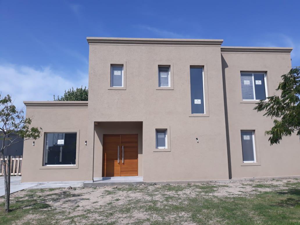 Foto Casa en Venta en  San Gabriel,  Villanueva  Excelente oportunidad. Casa estilo racionalista a estrenar. Villanueva. Tigre