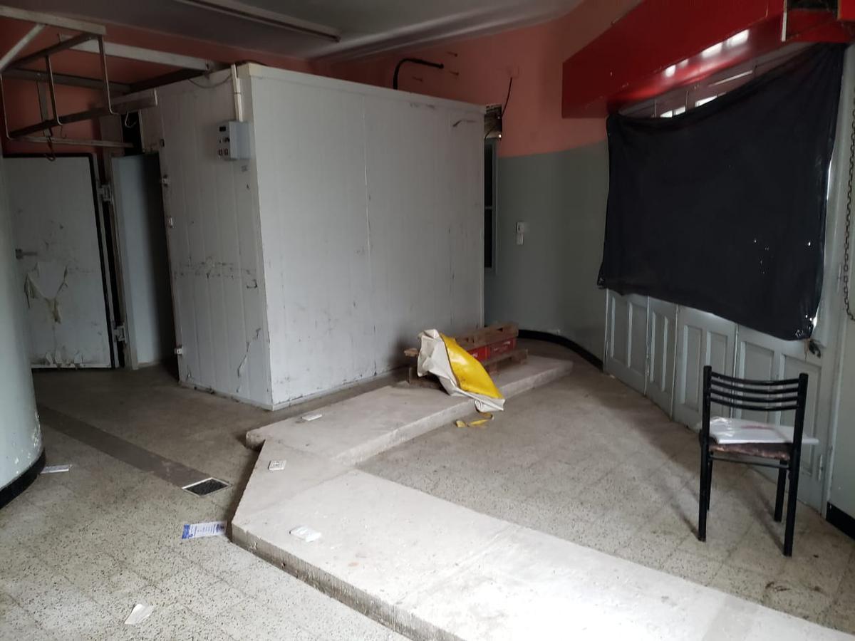 Foto Local en Alquiler en  Ludueña,  Rosario  PJE. SIVORI al 5500