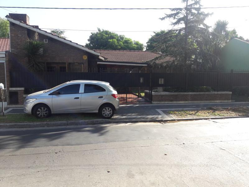 Foto Casa en Venta en  Temperley Este,  Temperley  ALCORTA 25 e. Av. Peron  (Pasco) y Condarco