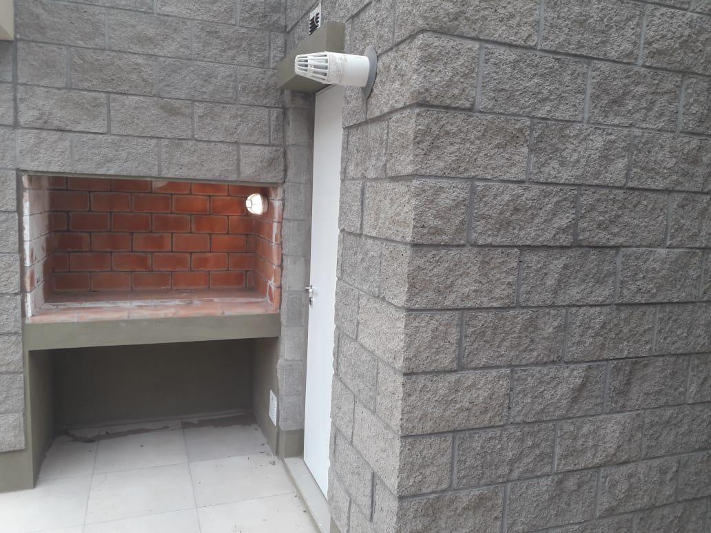 Foto Casa en Venta en  Capital ,  Neuquen  Loteo Perticone