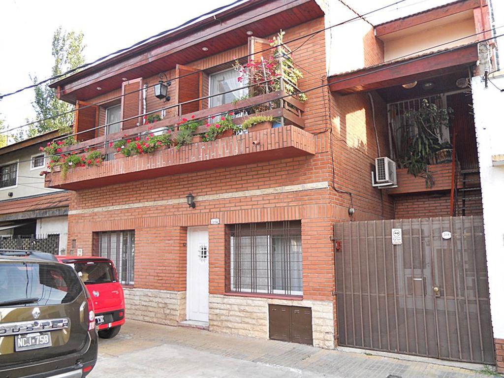 Foto Casa en Venta en  Olivos-Maipu/Uzal,  Olivos  Lugones al 3100