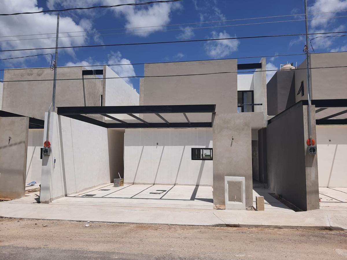 Foto Casa en Venta en  Fraccionamiento Pinos Norte II,  Mérida  Casa en venta en merida, al norte dentro de la ciudad, 3 habitaciones con piscina