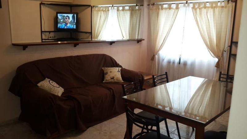 Foto Departamento en Alquiler temporario en  Villa Crespo ,  Capital Federal  THAMES 400