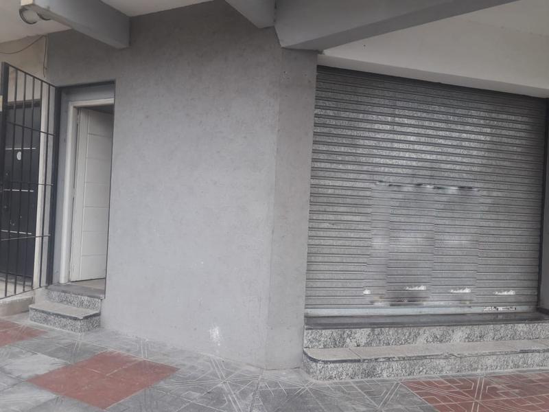 Foto Local en Alquiler en  Jose Clemente Paz ,  G.B.A. Zona Norte  Muñoz al 4000