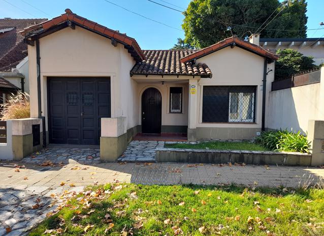 Foto Casa en Venta en  Adrogue,  Almirante Brown  MACÍAS 359, entre Sánchez y Amenedo