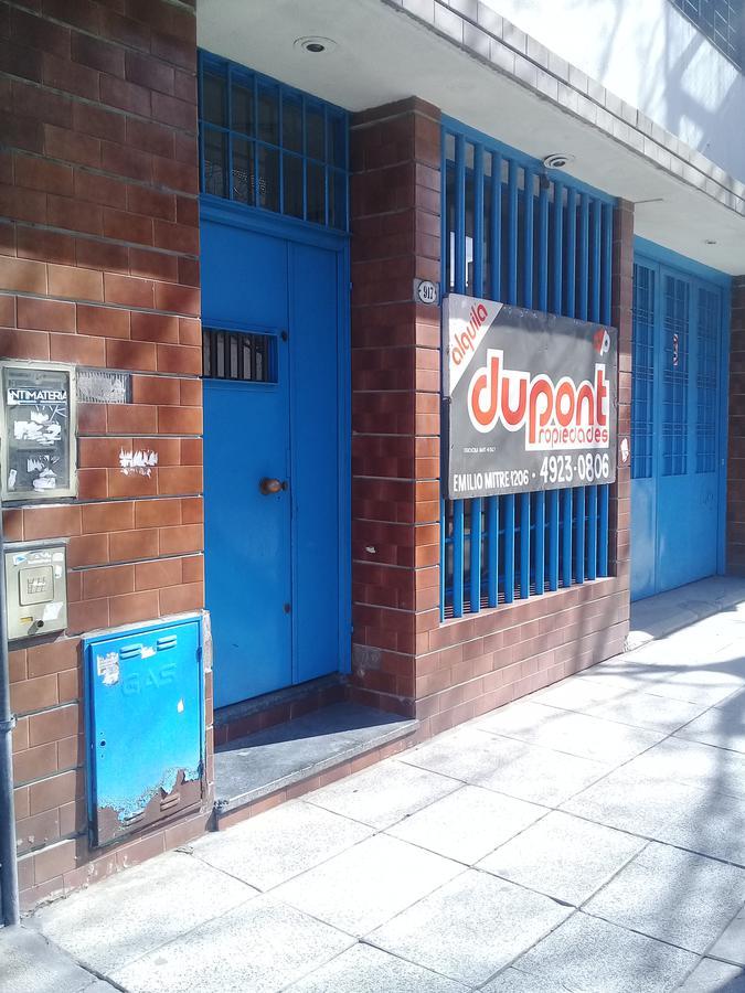 Foto Galpón en Alquiler en  Boedo ,  Capital Federal  Maza al 900