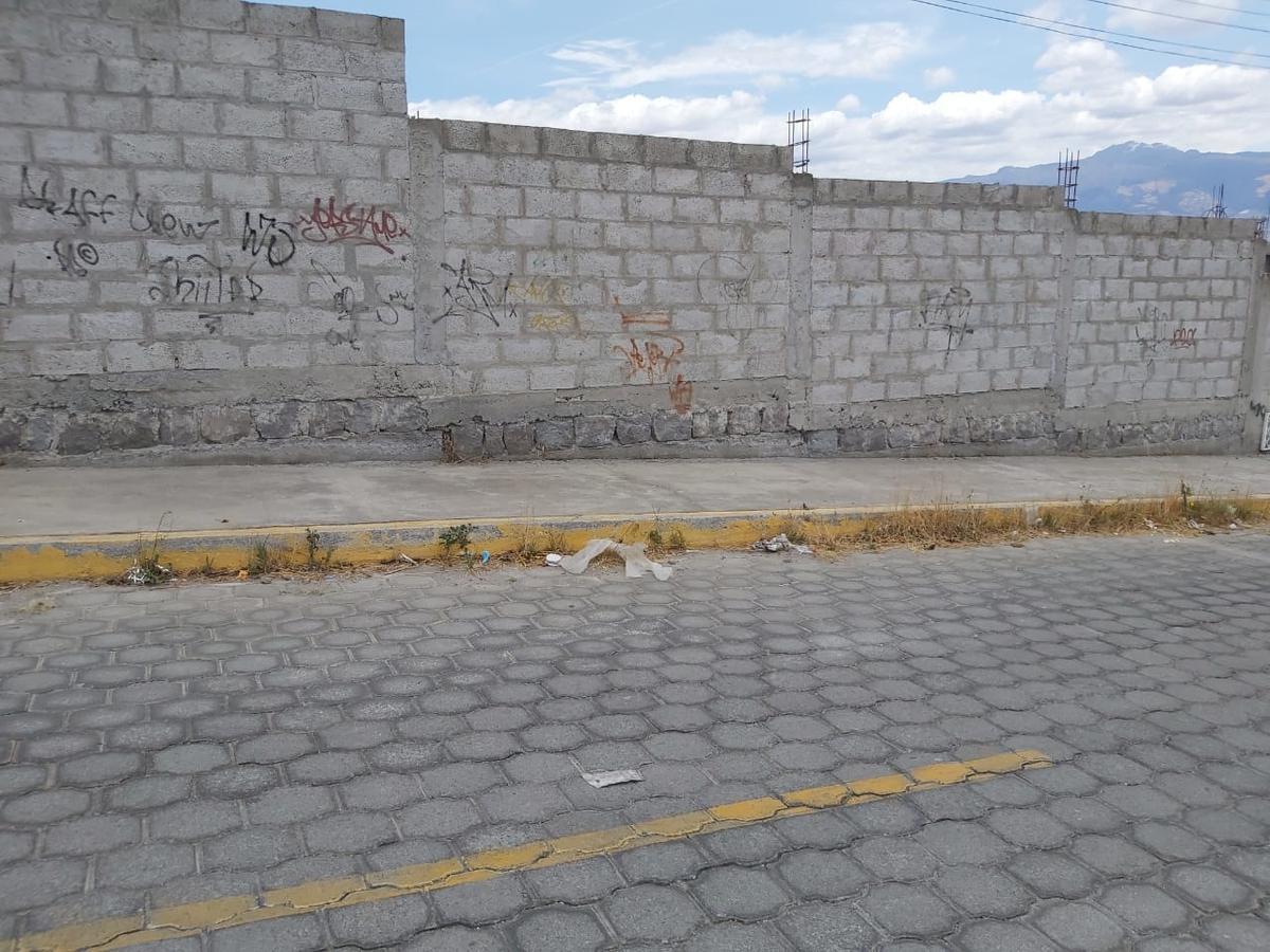 Foto Terreno en Venta en  Calderón,  Quito          E&E De Los Picaflores