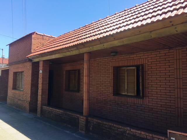 Foto Casa en Venta en  Banfield,  Lomas De Zamora  monteagudo 1143