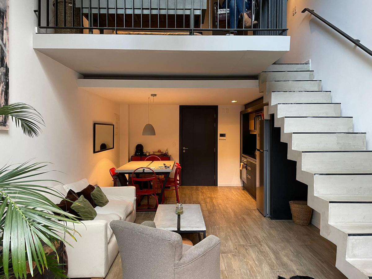 Foto Apartamento en Alquiler en  Punta Carretas ,  Montevideo  Duplex con patio y parrillero