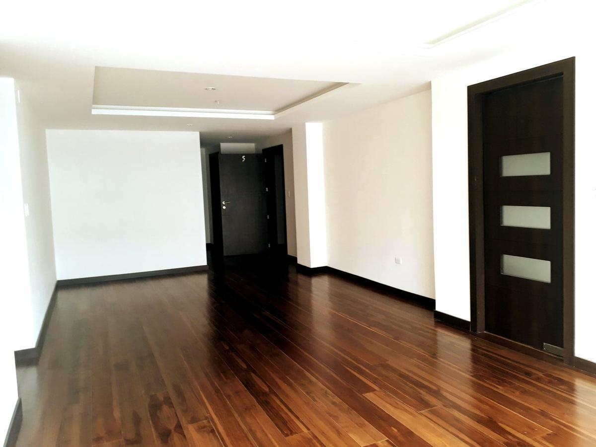 Foto Departamento en Venta en  El Condado,  Quito  Urbanizacion el Condado
