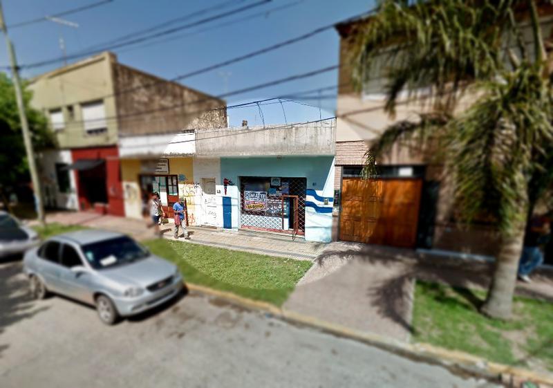 Foto Local en Alquiler en  Moreno ,  G.B.A. Zona Oeste  Local - Saavedra 85 - Lado sur
