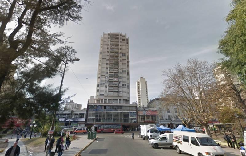 Foto Departamento en Venta en  Quilmes,  Quilmes  Hipolito Yrigoyen al 593 entre Av. Rivadavia y Alsina
