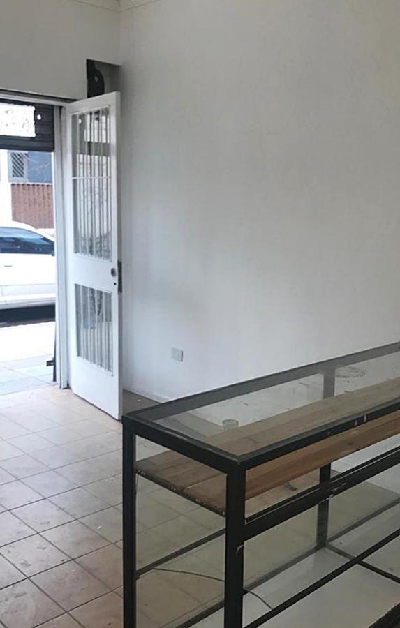 Foto Local en Venta en  Olivos-Uzal/Panam.,  Olivos  Mariano Pelliza al 3700