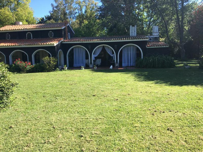 Foto Quinta en Venta en  Altos De Robles,  Parada Robles  Las Golondrinas y El Cardenal