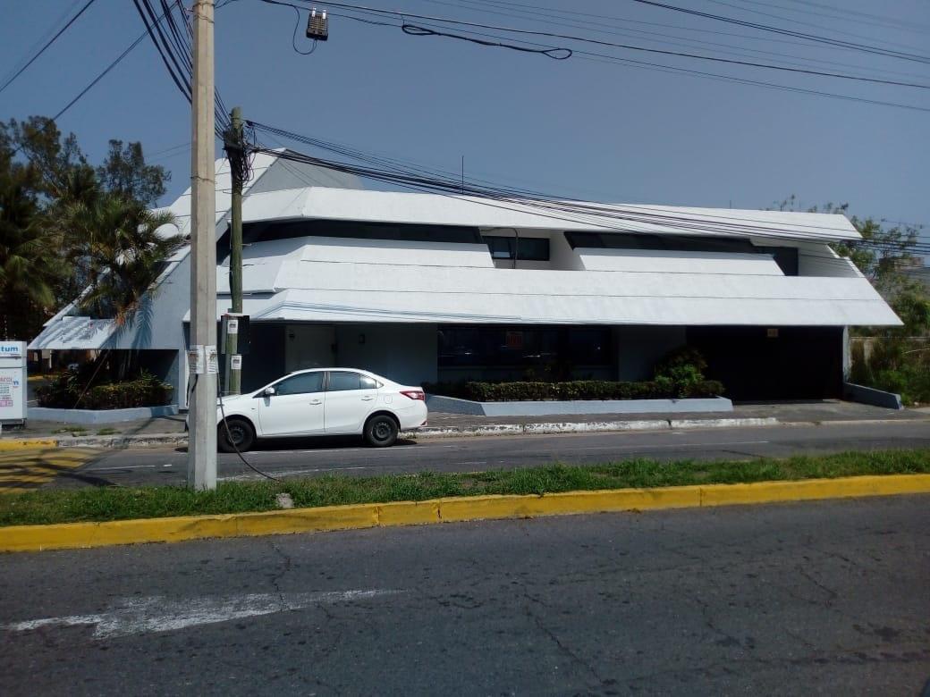 Foto Oficina en Renta | Venta en  Fraccionamiento Costa de Oro,  Boca del Río  COSTA DE ORO, Casa para OFICINA en RENTA o VENTA en excelente ubicación