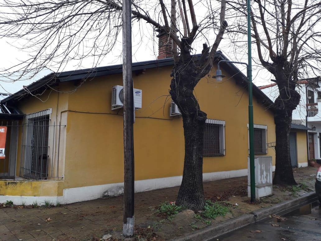Foto Casa en Venta en  Martinez,  San Isidro  Velez Sarsfield al 900