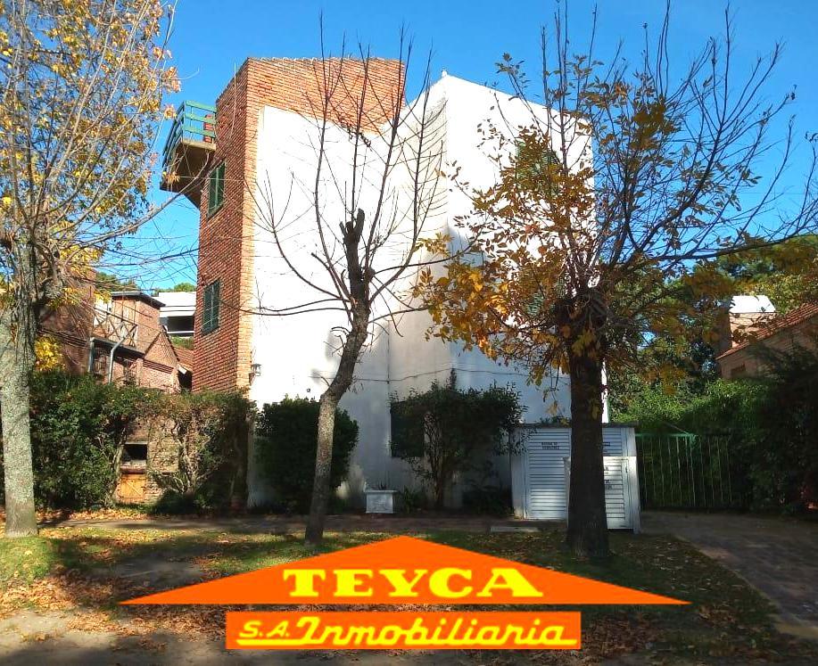 Foto Departamento en Venta en  Duplex,  Pinamar  Corvina 1098 E/ V. Fertil y Centauro