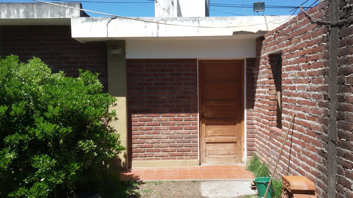 Foto Local en Venta en  Cosquin,  Punilla  San Martin al 600
