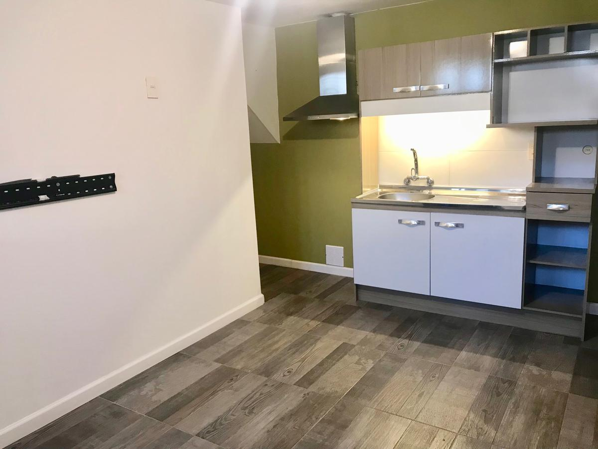 Foto Apartamento en Alquiler en  Cordón ,  Montevideo  Eduardo Acevedo al 1200