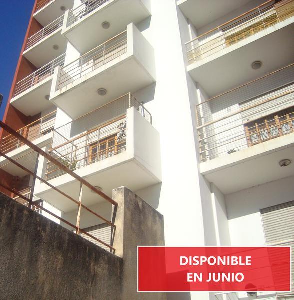 Foto Departamento en Alquiler en  La Plata ,  G.B.A. Zona Sur  8 entre 44 y 45