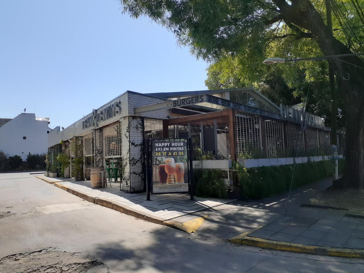 Foto Local en Alquiler en  Acassuso,  San Isidro  av libertador al 15000