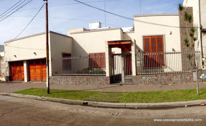 Foto Casa en Venta en  Lanús Este,  Lanús  DAMONTE 936